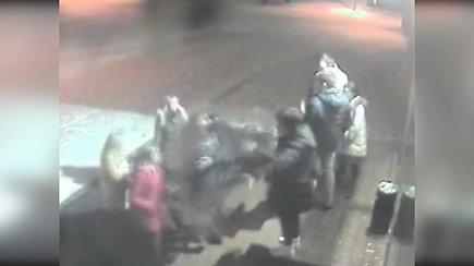 Atsisveikinimas po vakarėlio Alytaus bare virto masinėmis moterų muštynėmis