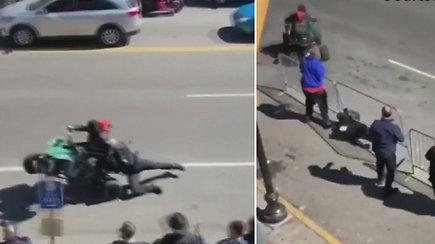 Šokiruojantis elgesys: ATV keturračio vairuotojas keliu tempė policininką