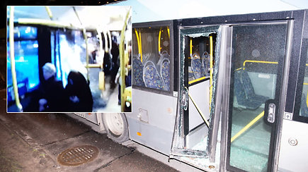 Užfiksuota, kaip BMW Vilniuje rėžėsi į autobuso šoną – keleiviai atsipirko išgąsčiu