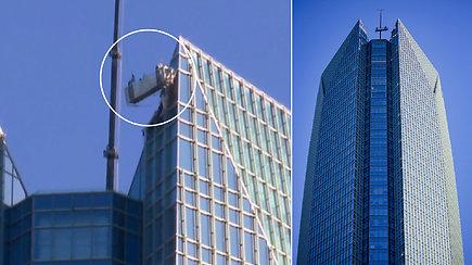 Košmariška darbo diena 257 m aukštyje: langų valytojai pagalbos laukė nevaldomame lifte