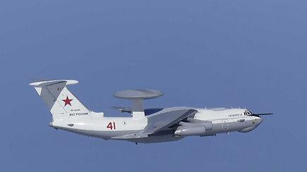 Pietų Korėjos naikintuvai paleido beveik 400 įspėjamųjų šūvių į Rusijos karinį lėktuvą