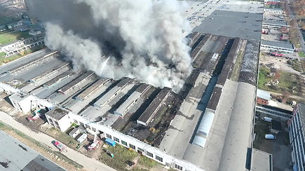 Įsisiautėjęs gaisras Alytuje: vaizdas iš paukščio skrydžio