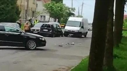 Įtariamojo gaudynės Šiauliuose baigėsi liūdnai – sužalotas policininkas