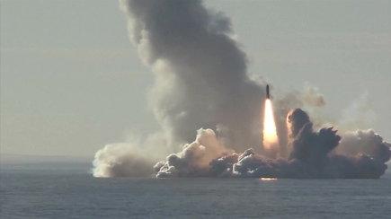 """Iš rusų atominio povandeninio laivo paleistos keturios raketos """"Bulava"""""""