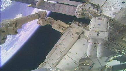 NASA kosmonautai TKS išorėje sumontavo dvi aukštos raiškos vaizdo kameras