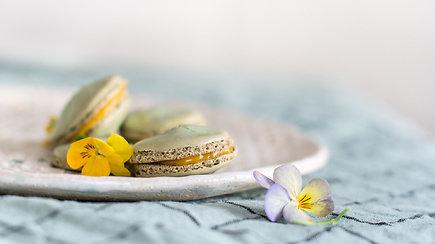 """Kvapnūs, minkšti ir traškūs – migdoliniai """"macarons"""": kaip juos pasigaminti?"""