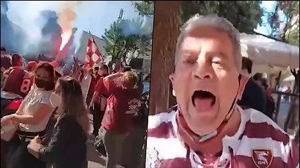 """Salernitana"" klubo sirgaliai švenčia Salerno mieste Italijoje"