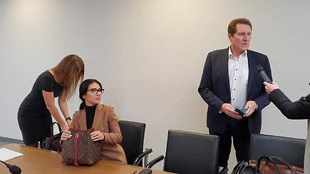 Marija Lina Basovė atvyksta į teismą