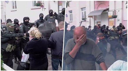 Septintas protestų savaitgalis Baltarusijoje: tūkstantines minias vaikė ašarinėmis dujomis, per 260 žmonių – sulaikyta