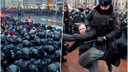 Rusijoje A.Navalno sulaikymas įžiebė masinius protestus: su dešimtimis tūkstančių žmonių pareigūnai kovojo smūgiais
