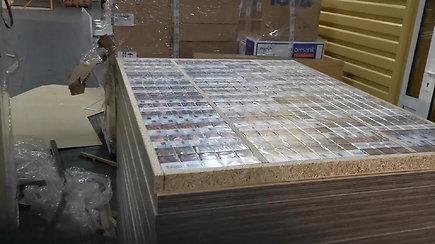 Nelegalias cigaretes muitininkai aptiko rentgenu patikrinę į Kaliningradą gabenamus baldus