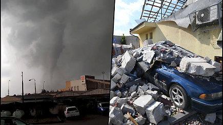 Čekijoje paskelbta nepaprastoji padėtis – šalį nusiaubė tornadas