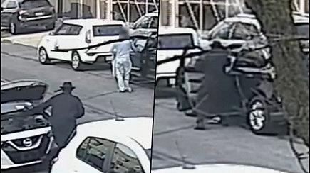 Nufilmuotas siaubingas nusikaltimas – užpuolikas peršovė aukai galvą