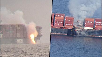 Kanadoje užsidegė laivas – 40 konteinerių su chemikalais iškrito į vandenyną