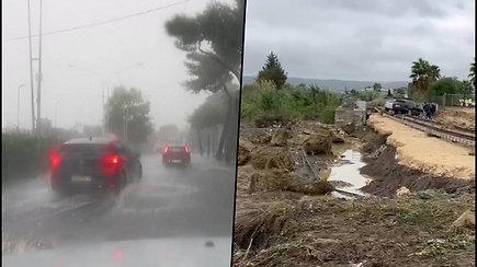 Pietų Italijoje siautėja uraganas – paskelbtas pavojaus signalas