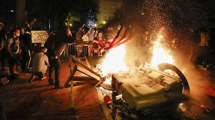 JAV gyvenantis lietuvis apie įsisiūbavusius protestus sunkiai rinko žodžius: lietuviams tai sunkiai suvokiama