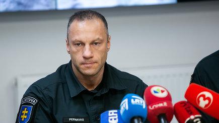 Policija paskelbė apie neįtikėtiną vagystę: nusikaltėlius ginklavo Ginklų fondo darbuotojas