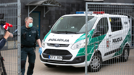 Vilniaus policija skelbia sutriuškinusi grupuotę, kuri vertėsi stambia ginklų ir narkotikų prekyba