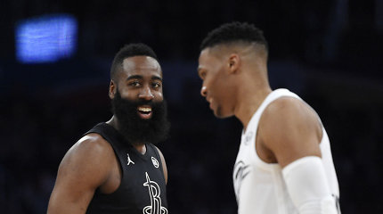 """M.Jordanas: """"Šeši NBA titulai yra sunkiau pasiekiami nei J.Hardeno ir R.Westbrooko rekordinės serijos"""""""