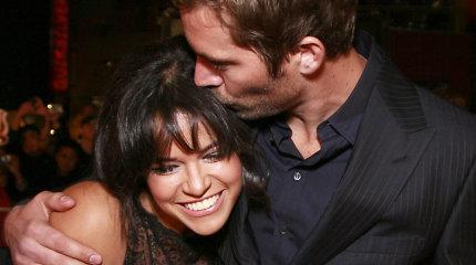 """""""Greitų ir įsiutusių"""" žvaigždė Michelle Rodriguez apie Paulą Walkerį: """"Pavydžiu, kad jis mirė pirmas"""""""