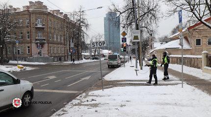 """Pirmadienį per užklupusią """"žiemą"""", laimė, skaudžių eismo įvykių išvengta"""