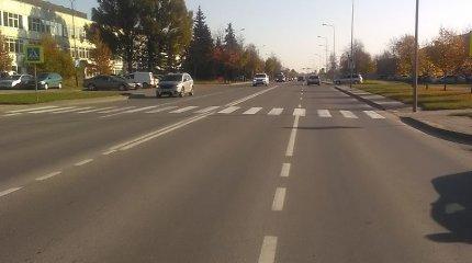 """Ieškomas prie """"Šiaulių energijos"""" pėsčiąją partrenkęs ir sprukęs vairuotojas"""