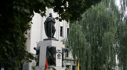 Kaunietis menininkas iškėlė abejones dėl Vytauto Didžiojo paminklo: skulptūra kursto patyčias