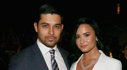 Demi Lovato po 6 metų draugystės išsiskyrė su Wilmeriu Valderrama