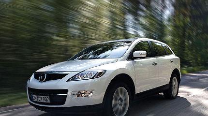 """JAV atlieka tyrimą dėl netinkamo oro pagalvių veikimo """"Mazda"""" visureigiuose"""