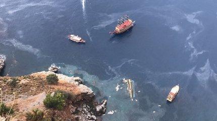 Prie Turkijos krantų nuskendus turistiniam kateriui žuvo vienas žmogus