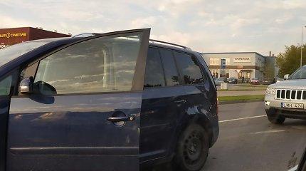 Klaipėdoje apgirtę vairuotojai per pusvalandį sukėlė dvi avarijas