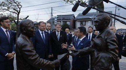 S.Skvernelis Japonijoje pagerbė žydų gelbėtoją Ch.Sugiharą, Hirošimos aukų atminimą