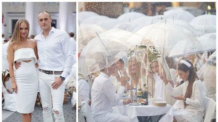 Lietus neišbaidė: Vilniaus rotušės aikštėje baltos vakarienės magijai pasidavė ir žinomi veidai