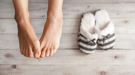Reumatologė: rytiniai sąnarių, ypač pėdų, skausmai gali pranešti apie podagrą