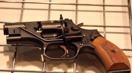Šis rusiškas revolveris šaudo beveik be jokio garso – kaip tai įmanoma?