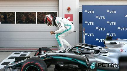 """Formulės 1"" Rusijos GP: ""Mercedes"" akivaizdžiai pergudravo ""Ferrari"""