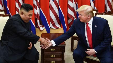 D.Trumpas: atėjęs į valdžią išgelbėjau pasaulį nuo karo su Šiaurės Korėja grėsmės