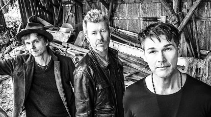 """Trakų pilyje koncertuosianti """"A-ha"""" išleido naują hito """"Take On Me"""" versiją: įvertinkite"""