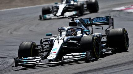 """""""Mercedes"""" nori trauktis iš F-1: ką darys Lewisas Hamiltonas?"""
