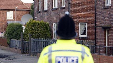 Jungtinėje Karalystėje dėl žmonių kontrabandos suimti 23 asmenys