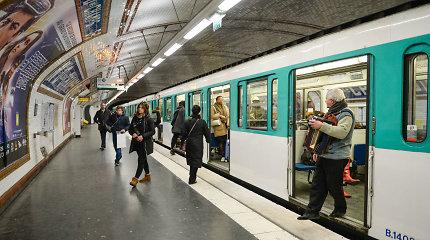 Paryžiaus metropolitene vyras aplietas rūgštimi