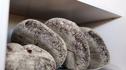 Anglijos pirkėjai ajerus lietuviškoje duonoje palaikė medienos gabaliukais