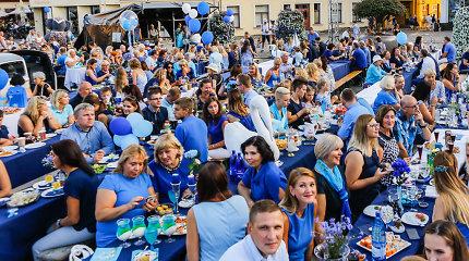 Išpopuliarėjusios Mėlynosios vakarienės autorė J.Navickaitė-Petrikienė: šventės spalvą padiktavo miestas