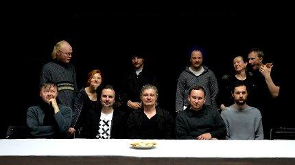 """Austrų kritikai apie Koršunovo """"Dugne"""": Vienos festivalis apdovanotas išmintingu ir didžiu teatru"""