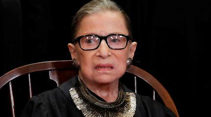 JAV Aukščiausiojo Teismo teisėja R.Ginsburg baigė gydytis dėl kasos vėžio