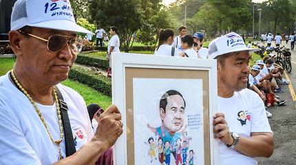 """Tailando sostinėje tūkstančiai žmonių dalyvavo bėgime prieš """"diktatūrą"""""""