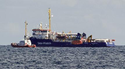 """Į Lietuvą perkelti du pabėgėliai iš laivo """"Sea Watch"""" Italijoje"""