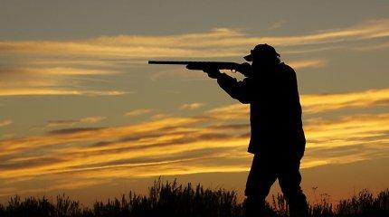 STT vertino korupciją aplinkosaugoje: nustatyta atvejų, kai medžiotojų būrelius tikrina medžiotojams pavaldūs inspektoriai