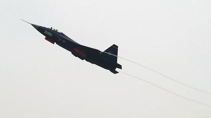 Kinija išbandė savo naujausio naikintuvo prototipą