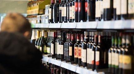 Lobistai nusitaikė į politikus – siūlo dar labiau švelninti alkoholio ribojimus
